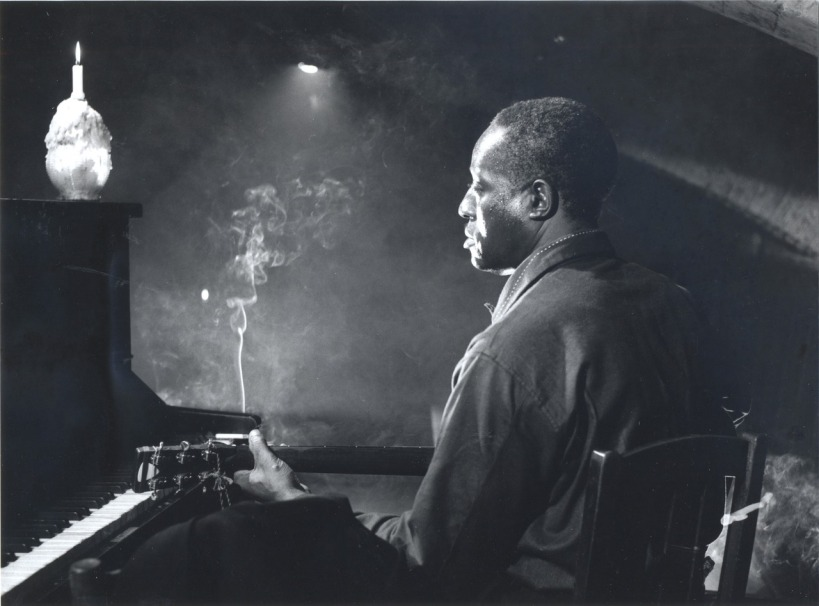 Big Bill Broonzy found a new audience in coffeehouses in the 1950s
